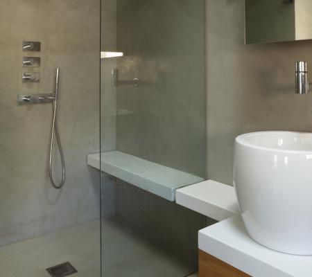 5 raison d'adopter le béton ciré dans la salle de bains !