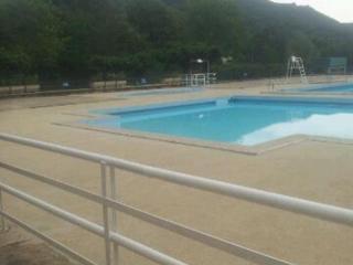 Plage de piscine sol souple