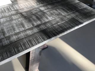 Meuble en béton et acier design créé pour un intérieur contemporain