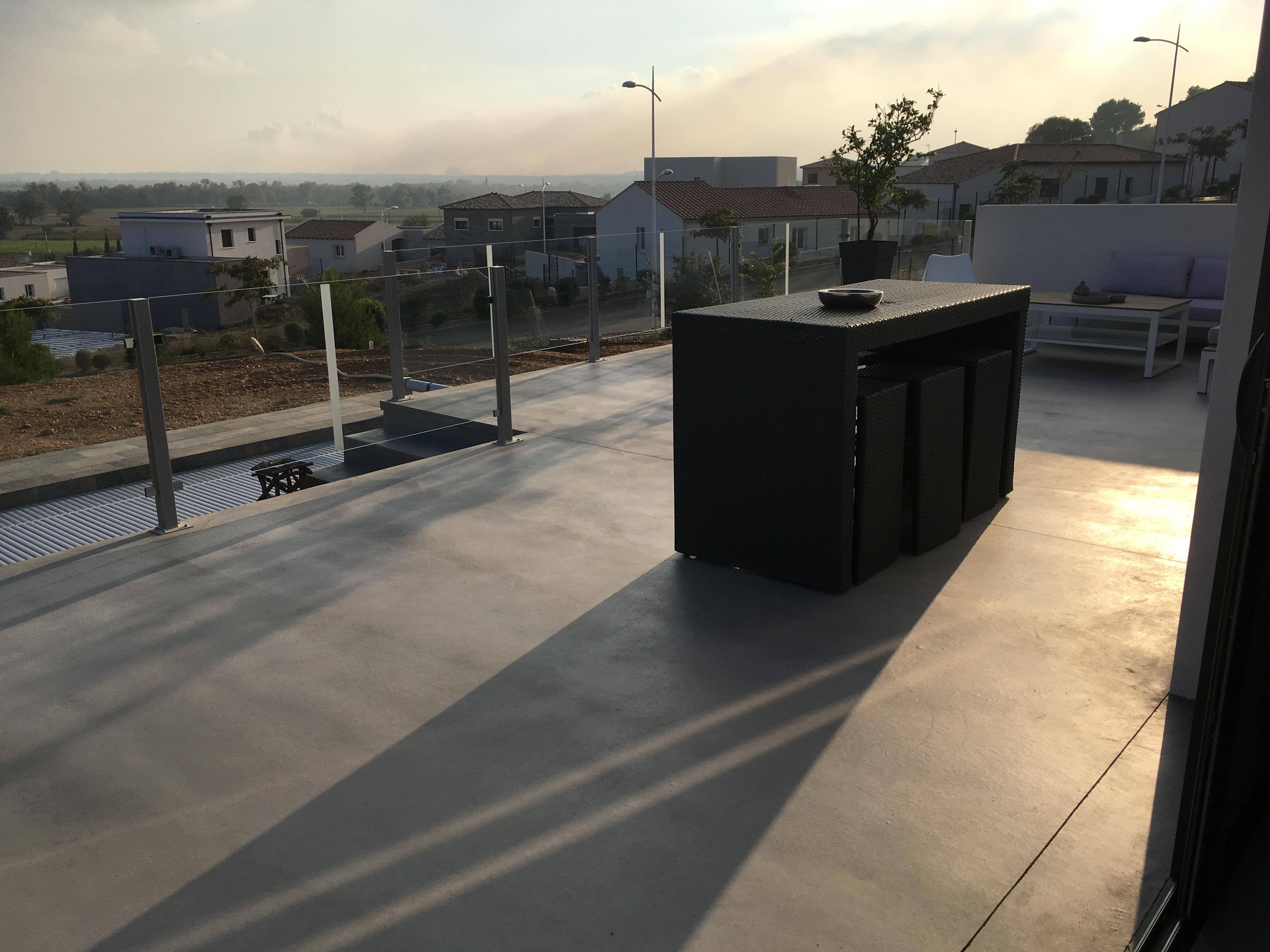 Anti Mousse Terrasse Beton terrasse béton coloré nîmes (30) beaucaire aigues-mortes