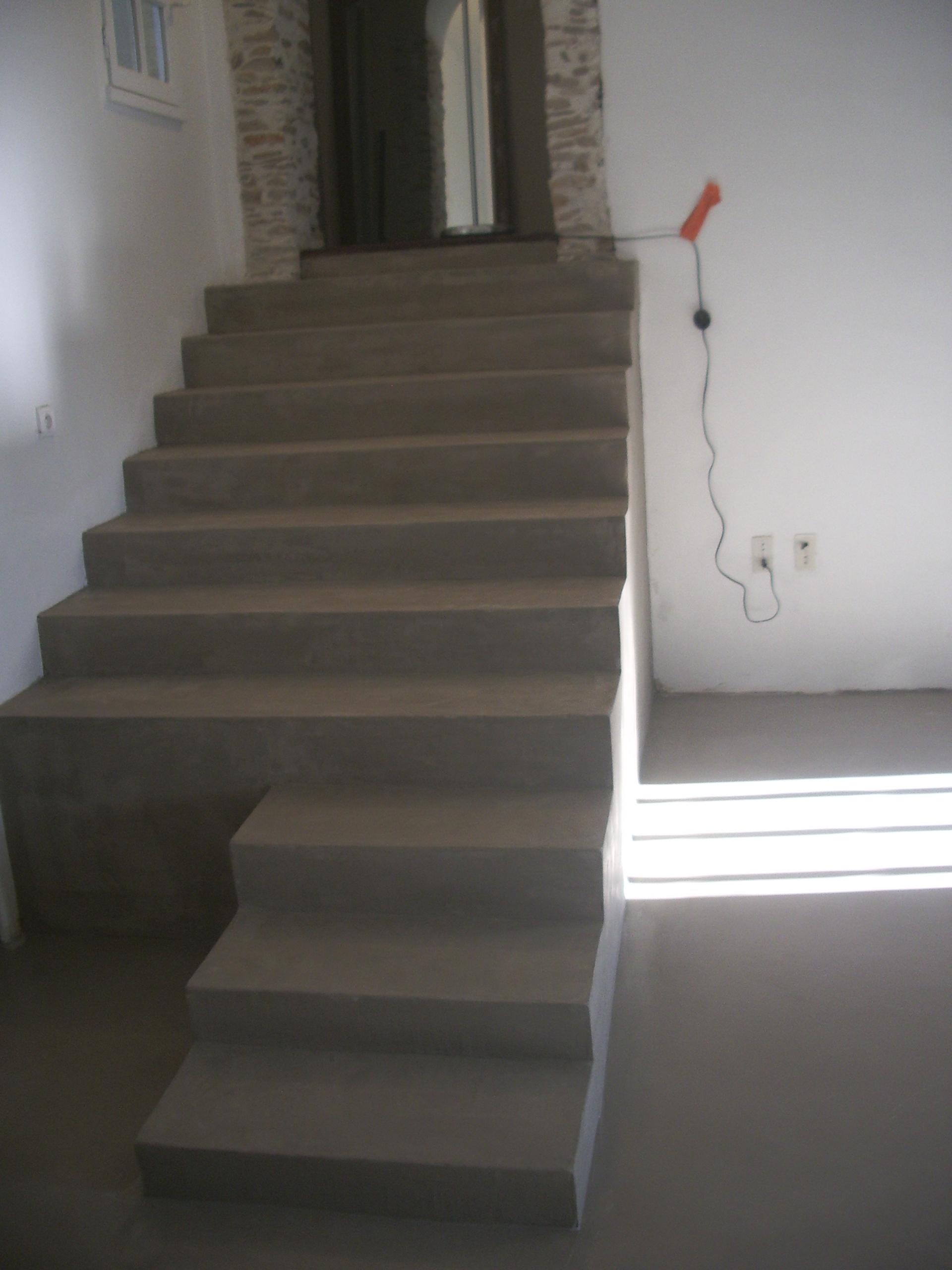 Escalier Interieur Beton Design escalier en béton ciré moderne - revêtement sol et mur nîmes