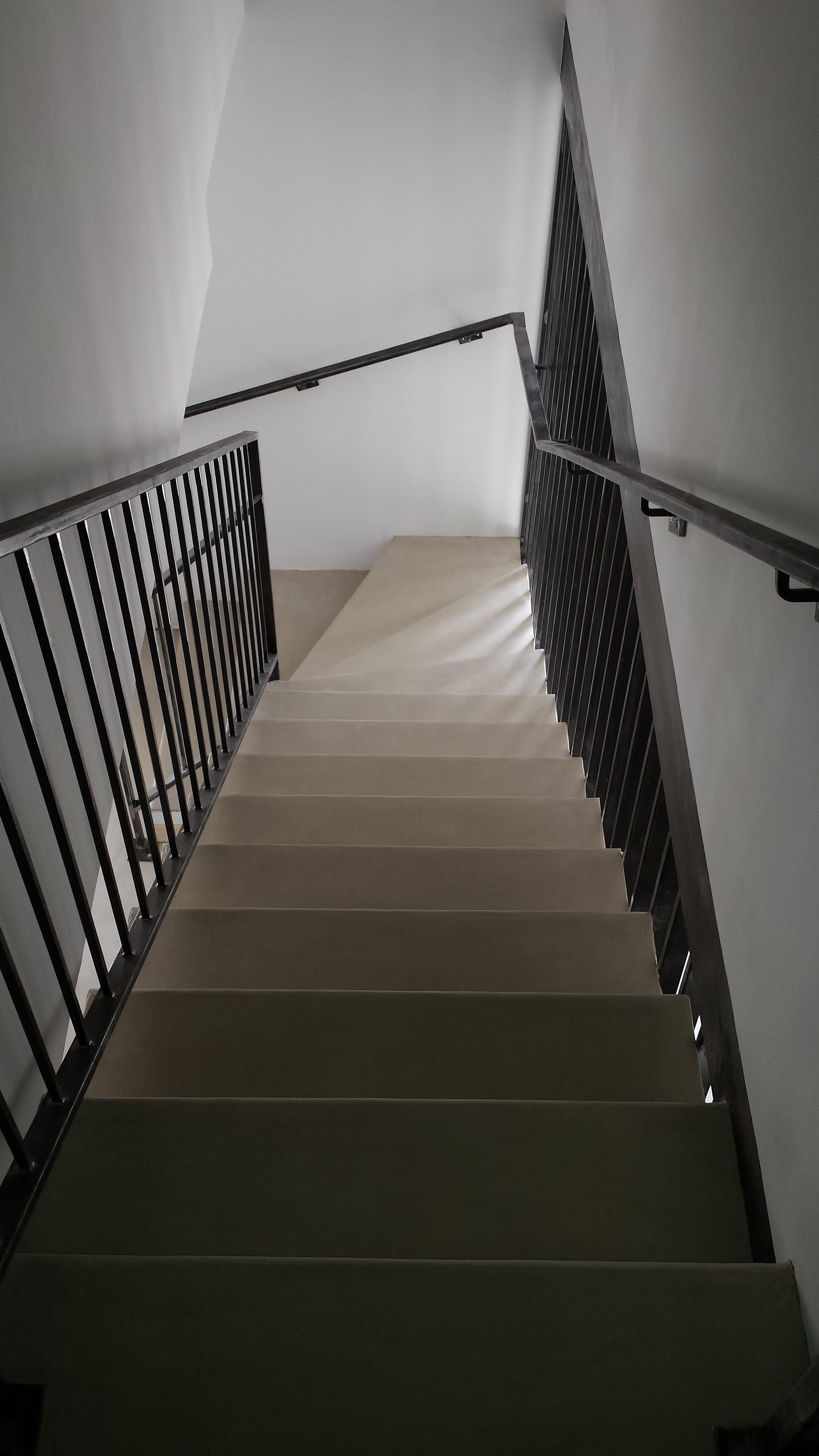 Recouvrir Un Escalier En Béton escalier en béton ciré moderne - revêtement sol et mur nîmes